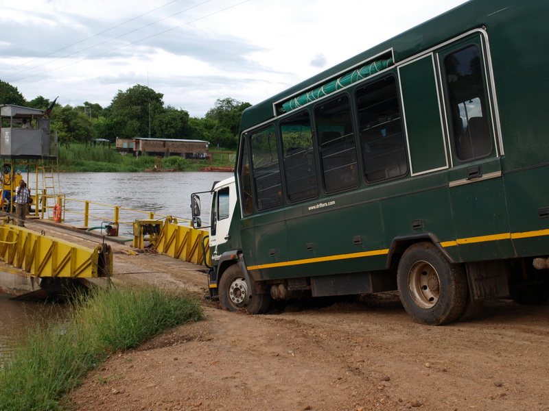 At the ferry, Driving to Kiamba Camp